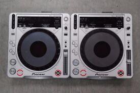 Pioneer CDJ-800MK2 Pair of Decks £525