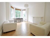 Fairhazel Gardens - Superb 3 bedroom 2 bathroom flat in South Hampstead offered on a furnished basis