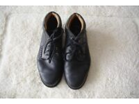 A pair of mens Lacoste ankle boots, size (8) eight.