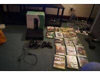 I'm selling my Xbox 360, 4Go, with HDMI/Power/Connectors Cables, 2 Control Pads and 17 Games