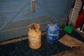 2 FULL CALOR GASS BOTTLES