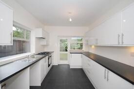 4 bedroom house in Wedmore Gardens, Archway