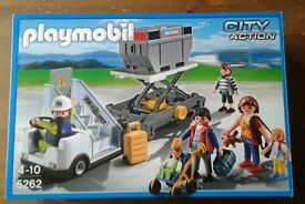 Playmobil City Action 5262 Airport Aircraft Stairs with Passengers and Cargo