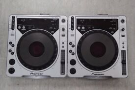 Pioneer CDJ-800 Pair of Decks £500