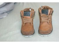Boys winter boots size 7