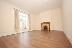 5 bedroom house in Lyttleton Road, Turnpike Lane
