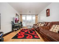 3 bedroom flat in Withy House, Globe Road, Stepney Green