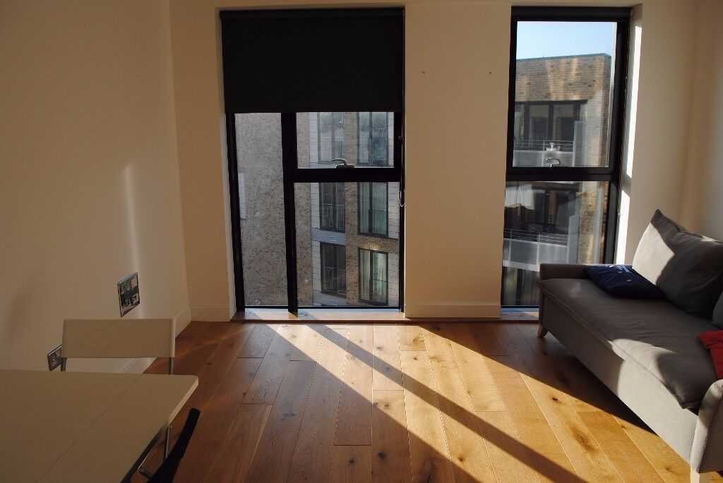 Superb bright 1 bedroom apartment in City Mills new development - Haggerston