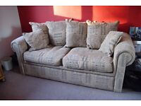 Comfortable sofa that makes down into a double bed. Very good condition.