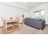 Delightful 2 bedroom 2nd floor flat at Leith Links, near the Shore, available September