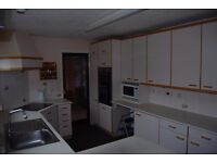 Fitted Kitchen with Fridge and Double-oven