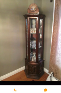 Wanted: display cabinet/curio