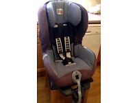 Britax Romer isofix car seat. Suitable from 9mths to 4yrs . Reclines. Excellent clean condition