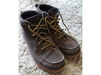Boys/ young adult Nike boots size uk 6