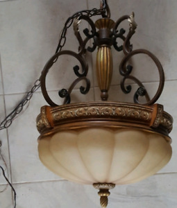 DINING ROOM LIGHT FIXTURE - 3 BULB