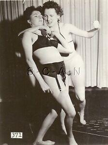 Nude Women Catfighting 100