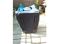 2 Wheel holdall