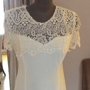 Ivory Trainless A-Line Dress with Lace Overlay