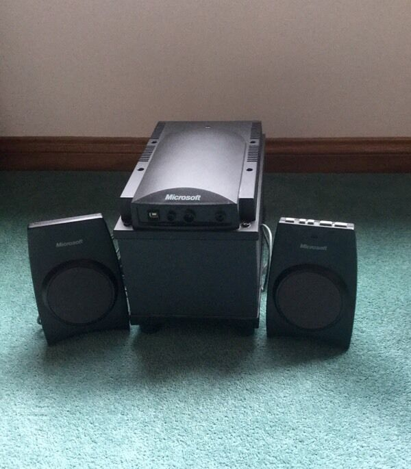 Microsoft Subwoofer with 2 speakersin AberdeenGumtree - Microsoft Subwoofer with 2 speakers Microsoft subwoofer with 2 speakers. Hardly been used. In good condition. All cables included. Collect from Aberdeen