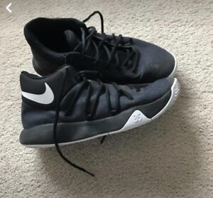 Kevin Durant basketball shoes from legend city size 8