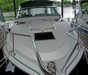 Twin engine 402 HP three cabin power boat in excellent condition
