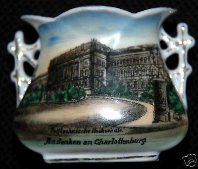 ANDENKEN AN CHARLOTTENBURG GERMANY CHINA VASE CA 1910