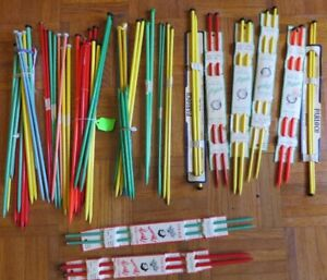 33 Pairs of vintage knitting needles