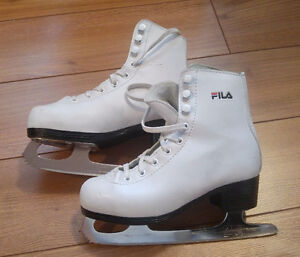 Skates / Patins (5 pairs - kids sizes from 6Y to 13Y)