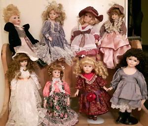 Jolies poupées de porcelaine