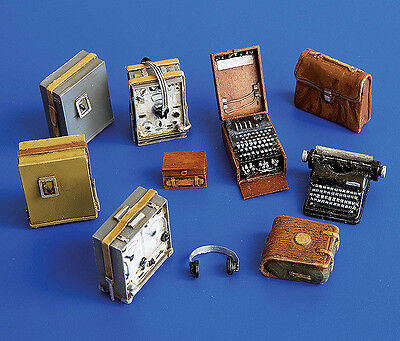 PLUS MODEL #249 WWII Deutsche Empfänger und Enigma für Diorama in 1:35