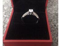 Beautiful 18 Carat Gold Forever Diamond Ring