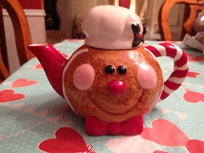 Vintage Gingerbread Lane Ceramic Porcelain Cookie Cream Christmas Teapot New