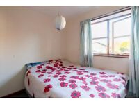 Nice small bedroom for rent in a small flat in calm neighbourhood