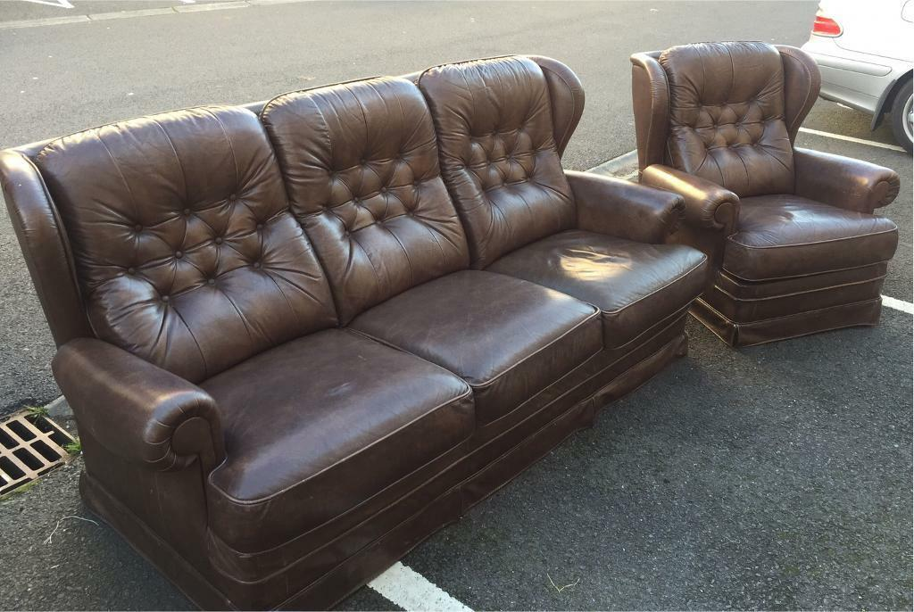 Chesterfield Style Sofa and Sofa