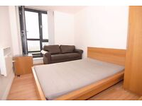 LARGE DOUBLE ROOM WITH BALCONY! ALL BILLS INCLUDED!