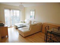 Defoe Road, 3 bed flat, 2 bathrooms, great property located of Stoke Newington Church Street