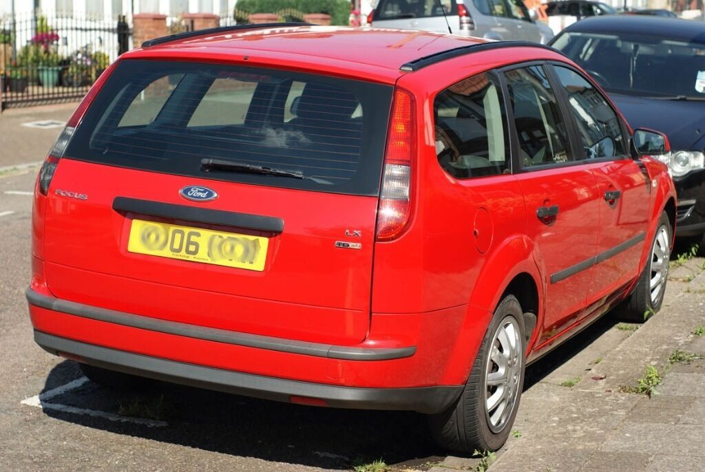 Ford focus 1 8 lx tdci estate 2006 price drop in for Ford focus 2006 interieur