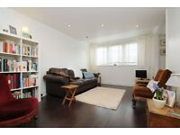 2 bedroom flat in Wareham Court, Hertford Road, De Beauvoir, N1