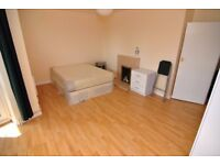 * CHEAP DOUBLE ROOM IN GREENWHICH