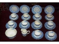 VICTORIAN TEA SET 32 PIECES FLO BLUE Clokie & Masterman in the pattern Florence