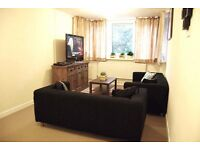 Light and spacious THREE DOUBLE BEDROOM flat - Albon House, Wandsworth, London SW18