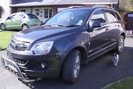 2013 Vauxhall Antara 2.2 CDTI 4x4 Automatic. Excellent condition inside and out.