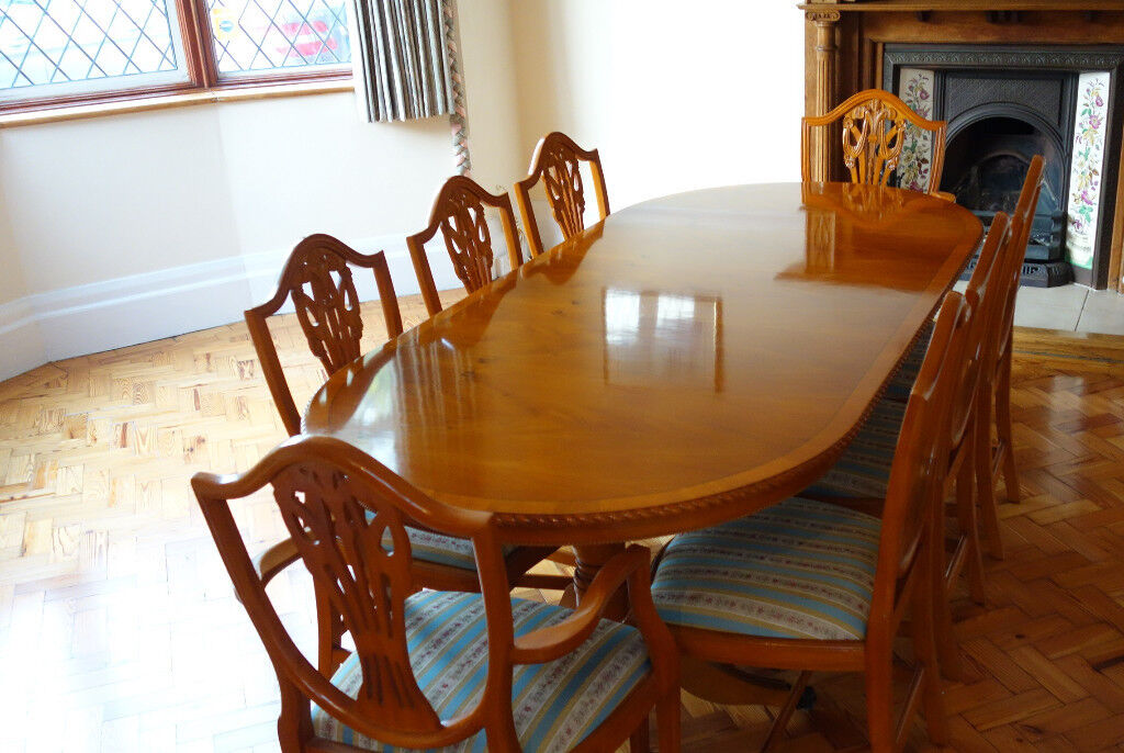 Reproduction Antique Style Dining Table + 8 Chairs