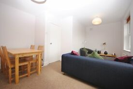 Fantastic 2 Double Bed In Great Location!! available 5th Jan!!