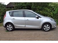 RENAULT SCENIC 2010 DIESEL 1.4CC TOP OF THE RANGE DRIVES PERFECT WITH SAT NAV