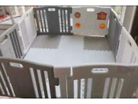 Baby play pen with mat