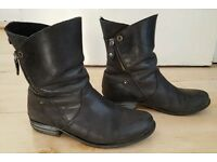 Womens Italian Ankle Boots, Size 39