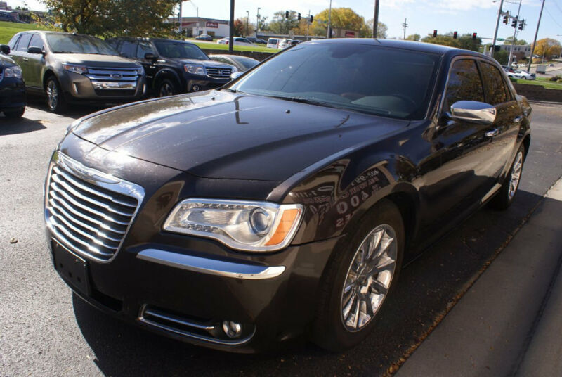 Image 2 Voiture American used Chrysler 300 Series 2012