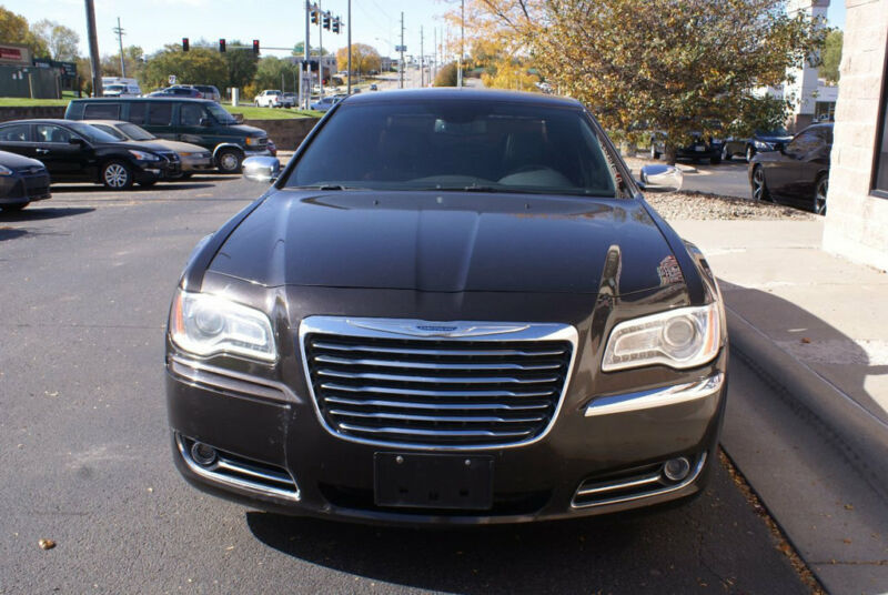Image 6 Voiture American used Chrysler 300 Series 2012