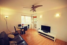 ***Lovely One Bedroom Flat In Top Location***